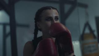 Juicy M. - Fire & Ice (feat. Dani Somerside) (Video ufficiale e testo)