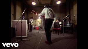 The Beatles - Lady Madonna (Video ufficiale e testo)