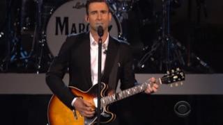 Tributo dei Maroon 5 ai Beatles