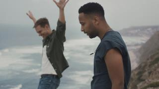 Armin van Buuren - Strong Ones (feat. Cimo Frankel) (Video ufficiale e testo)