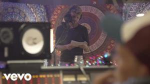 Avicii - Without You (feat. Sandro Cavazza) (Video ufficiale e testo)