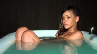 Rihanna che scorreggia nel video di Stay senza musica è virale!