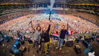 Dimitri Vegas & Like Mike LIVE @ World Club Dome 2017