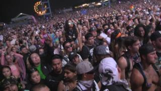 DOG BLOOD (BOYS NOIZE B2B SKRILLEX) - POO BEAR CHELLA RIDE @ HARD SUMMER 2017 - 8.6.2017