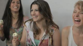 Deborah Iurato - Piccole cose (video ufficiale e testo)
