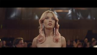 Clean Bandit - Symphony (feat. Zara Larsson) (Video ufficiale e testo)