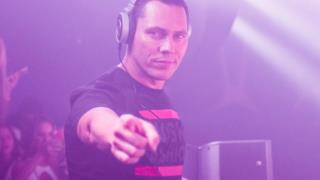 ClubLife by Tiësto Podcast 450
