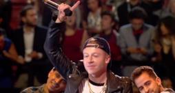 Macklemore e Ryan Lewis cantano Downton live agli MTV EMA 2015