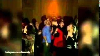 Harry Styles e Kristen Wiig ballano sulle note di Dirty Dancing