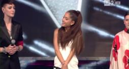 Ariana Grande canta alla finale di The Voice of Italy 3 (video)