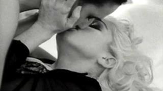 Madonna - Justify My Love (Video ufficiale e testo)