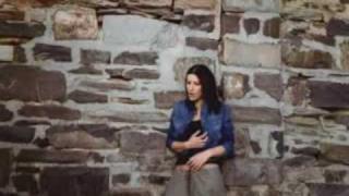 Laura Pausini - I Need Love (Video ufficiale e testo)