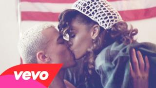 ► Rihanna - We Found Love (new video 2011)