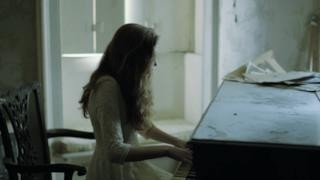 Birdy - Skinny Love cover Bon Iver (Video ufficiale e testo)