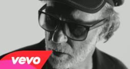 Francesco De Gregori - La donna cannone (Video ufficiale e testo)