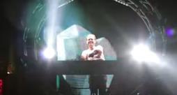Presentazione del braccialetto per DJ Myo con Armin Van Buuren