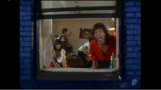 The Rolling Stones - Neighbours (Video ufficiale e testo)