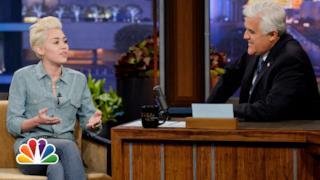 Miley Cyrus vs Justin Bieber al Tonight Show con Jay Leno 2014