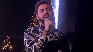 Andrea Faustini canta Wrecking Ball e arriva in finale a X Factor UK 2014 (video)