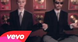 Eurythmics - Sweet Dreams (Are Made Of This) (Video ufficiale e testo)