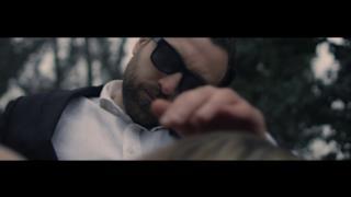 Dargen D'Amico ft. Andrea Nardinocchi - Continua a Correre (Video ufficiale e testo)