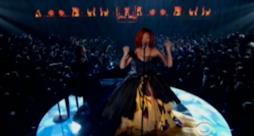 Rihanna & Eminem - Love the way you lie (live Grammy Awards 2011)