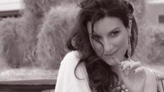 Laura Pausini - Tornerò (con calma si vedrà) (Video ufficiale e testo)