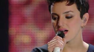 Arisa canta Controvento dopo la premiazione a Sanremo 2014