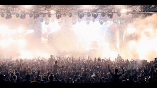 Above & Beyond - Black Room Boy (video ufficiale)