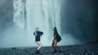 Major Lazer - Cold Water (feat. Justin Bieber & MØ) (Video ufficiale e testo)
