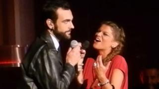 Alessandra Amoroso e Marco Mengoni cantano Monkey Man all'Arena di Verona (video)