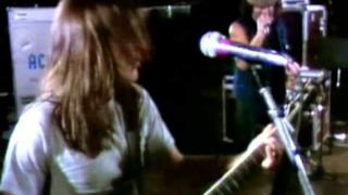 AC/DC - Nervous Shakedown (Video ufficiale e testo)