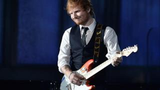 Ed Sheeran, Thinking Out Loud live ai Grammy 2015 con una superband