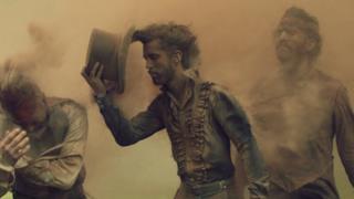 Imagine Dragons - Natural (Video ufficiale e testo)