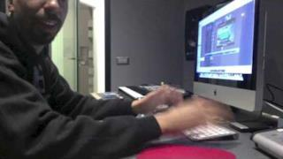 Fabri Fibra - Vado via (video e testo)