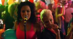 Le Donatella fanno festa con la Rettore nel video per Donatella