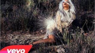 Rihanna - World Peace (audio, testo e traduzione)