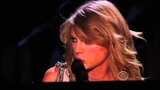 Taylor Swift canta All Too Well ai Grammy 2014