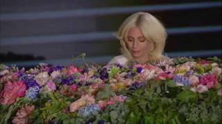 Lady Gaga apre i Giochi Europei 2015 cantando Imagine (video)