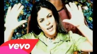 Shakira - Un Poco De Amor (Video ufficiale e testo)