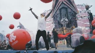 Headhunterz Returns To Hardstyle at DEFQON.1!!!