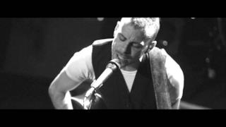 Asaf Avidan - Reckoning Song/One Day live [VIDEO]