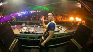 Laidback Luke Mixmash Radio 121 | Tiësto Guest Mix