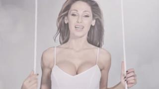 Anna Tatangelo in gabbia nel video di Libera