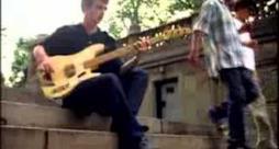 Oasis - Live Forever (Video ufficiale e testo)