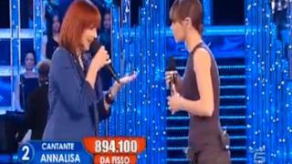 Annalisa Scarrone duetto Alessandra Amoroso - Questo Bellissimo Gioco (Live Amici 10)