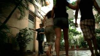 Eros Ramazzotti - No Estamos Solos (Non Siamo Soli) (Video ufficiale e testo)
