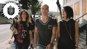Headhunterz - United Kids of the World (feat. Krewella) (Video ufficiale e testo)