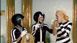 Gwen Stefani - The Sweet Escape (Video ufficiale e testo)