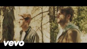 The Chainsmokers - Don't Let Me Down (feat. Daya) (Video ufficiale e testo)